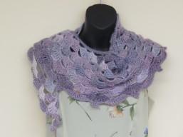lilac shawlette, Margo